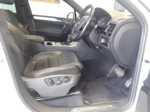 Volkswagen Touareg 3.0 TDI V6 Luxury - Image 3