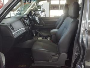 Mitsubishi Pajero 3.2 Di - Dc GLS SWB automatic - Image 11