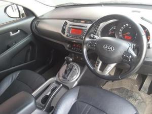 Kia Sportage 2.0 auto - Image 10