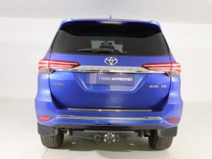 Toyota Fortuner 4.0 V6 4X4 automatic - Image 5