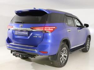 Toyota Fortuner 4.0 V6 4X4 automatic - Image 7