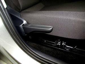 Volkswagen Take UP! 1.0 5-Door - Image 20