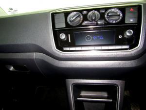 Volkswagen Take UP! 1.0 5-Door - Image 21