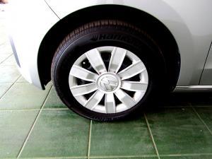 Volkswagen Take UP! 1.0 5-Door - Image 5