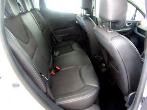 Renault Clio IV 900 T Expression 5-Door - Image 16