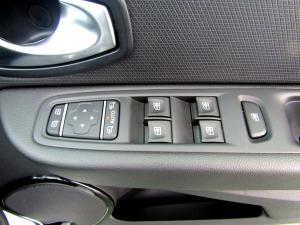 Renault Clio IV 900 T Expression 5-Door - Image 18