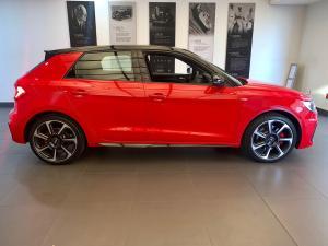 Audi A1 Sportback 2.0 Tfsi S-LINE S Tronic - Image 4