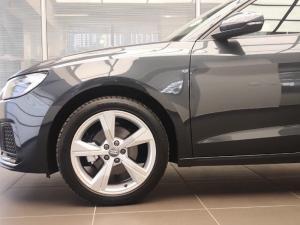 Audi A1 Sportback 1.0 Tfsi Stronic - Image 4