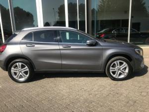 Mercedes-Benz GLA 200 automatic - Image 11