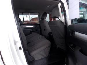 Toyota Hilux 2.8GD-6 double cab 4x4 Raider - Image 7