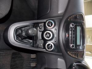 Hyundai i10 1.1 GLS - Image 16