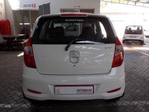 Hyundai i10 1.1 GLS - Image 3