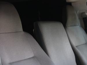 Toyota Quantum 2.5D-4D panel van - Image 5