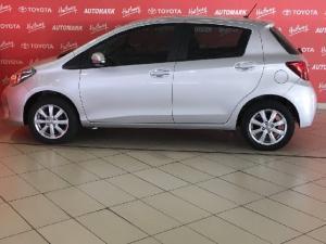 Toyota Yaris 1.3 - Image 6