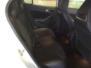 Mercedes-Benz GLA 250 4MATIC - Image 11