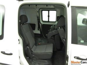 Volkswagen CADDY4 Maxi Crewbus 2.0 TDi - Image 7