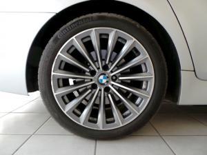 BMW 5 Series 523i - Image 10
