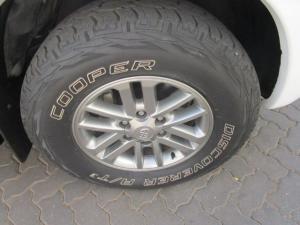 Toyota Hilux 3.0 D-4D Legend 45 4X4 automaticD/C - Image 17