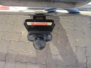 Toyota Hilux 3.0 D-4D Legend 45 4X4 automaticD/C - Image 3