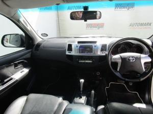 Toyota Hilux 3.0 D-4D Legend 45 4X4 automaticD/C - Image 4