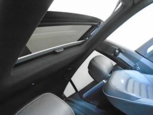 Volkswagen Arteon 2.0 TDI R-LINE DSG - Image 9
