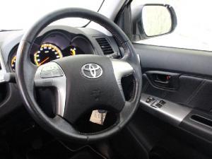Toyota Hilux 3.0D-4D Raider Legend 45 - Image 10