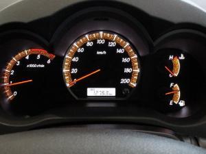 Toyota Hilux 3.0D-4D Raider Legend 45 - Image 11