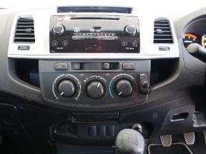 Toyota Hilux 3.0D-4D Raider Legend 45 - Image 12