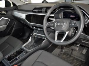 Audi Q3 1.4T S Tronic - Image 4