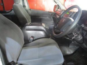 Toyota Quantum 2.7 14 Seat - Image 3