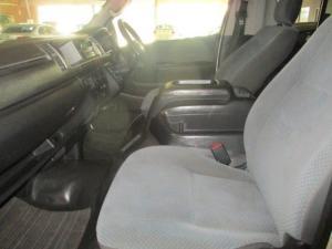 Toyota Quantum 2.7 14 Seat - Image 4