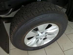 Toyota Hilux 2.4GD-6 4x4 SRX - Image 10