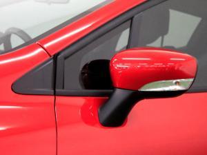 Renault Clio IV 900T Authentique 5-Door - Image 34
