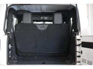 Jeep Wrangler 3.6L Sahara - Image 12