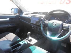 Toyota Hilux 2.4 GD-6 SRX 4X4 automaticS/C - Image 5