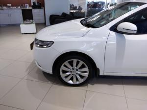 Kia Cerato sedan 2.0 SX - Image 4