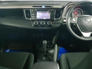 Toyota RAV4 2.0 GX automatic - Image 11