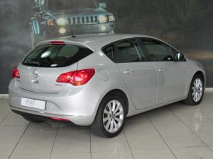 Opel Astra 1.4T Enjoy 5-Door - Image 2