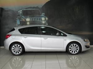 Opel Astra 1.4T Enjoy 5-Door - Image 5