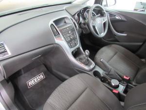 Opel Astra 1.4T Enjoy 5-Door - Image 6