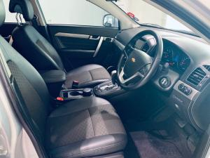 Chevrolet Captiva 2.2D LT automatic - Image 7