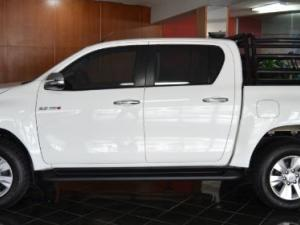 Toyota Hilux 2.8 GD-6 Raider 4X4 automaticD/C - Image 3