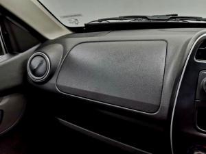 Renault Kwid 1.0 Expression 5-Door - Image 23
