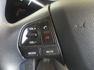 Kia RIO1.4 automatic - Image 8