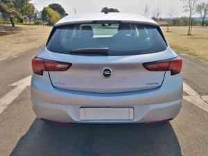 Opel Astra hatch 1.0T Essentia - Image 6