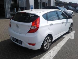 Hyundai Accent hatch 1.6 Fluid - Image 4