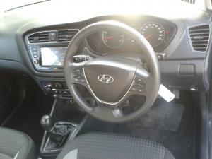 Hyundai i20 1.4 Fluid - Image 10