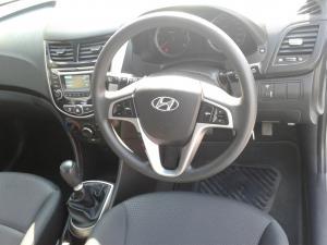 Hyundai Accent hatch 1.6 Fluid - Image 10