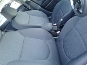 Hyundai Accent 1.6 GLS auto - Image 9