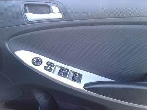 Hyundai Accent 1.6 GLS auto - Image 12
